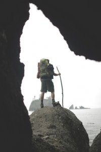 Turysta na skale